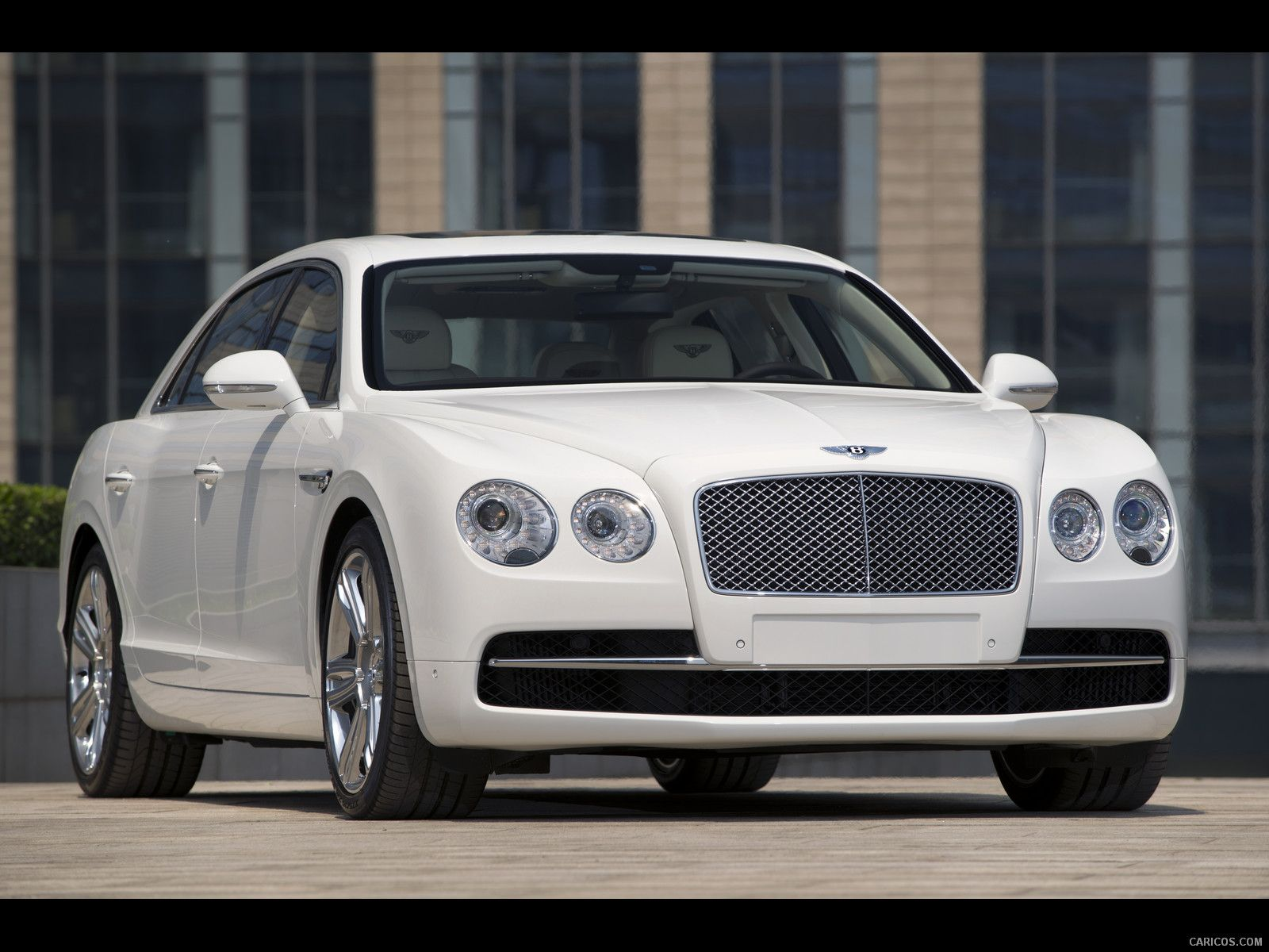 Bentley Flying Spur in White - see the video in this board...please!