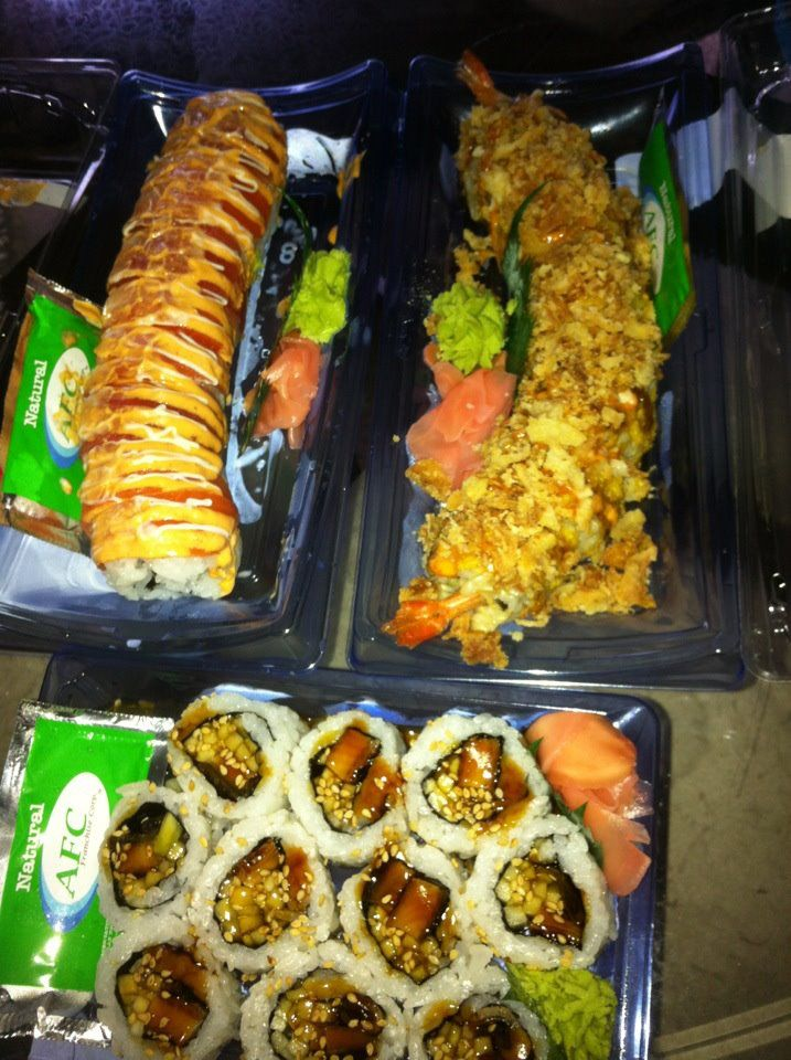 Giant Eagle Fresh Sushi For A Deal 6 For A Small Plate Awesome Fresh Sushi South Beach Diet Small Plates