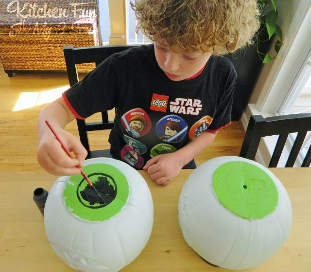 Dollar Store Spooky Bush Eyes Outdoor Craft...cheap & Easy