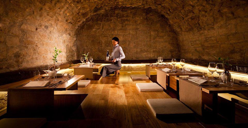 restaurant sola paris 12 rue de l 39 hotel. Black Bedroom Furniture Sets. Home Design Ideas