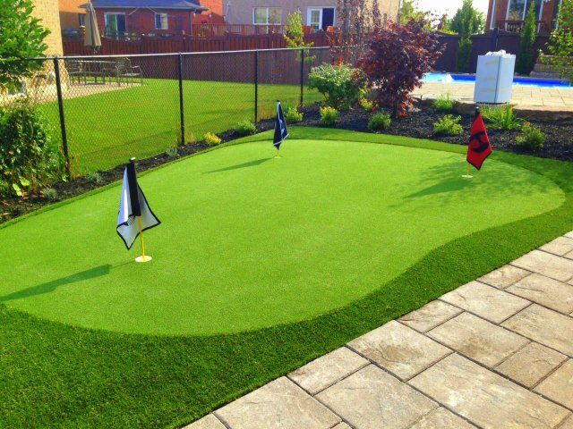 Backyard Putting Green in Vaughan. Custom flags for the ...