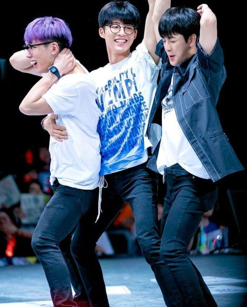 08022018 #iKON #B.I #BOBBY #YUNHYEONG
