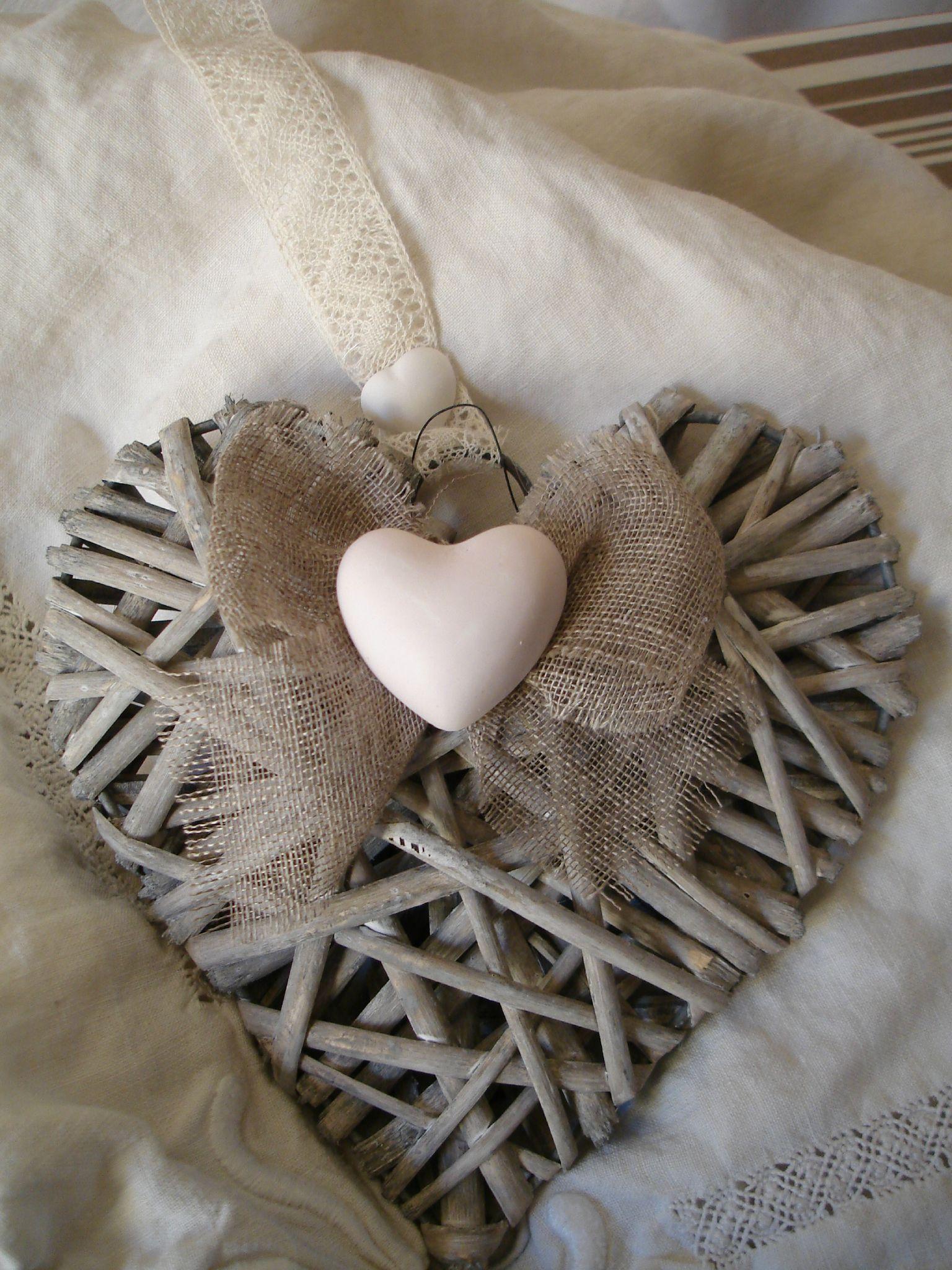 Coeur en rotin petits objets d co diy pinterest for Petit objet deco