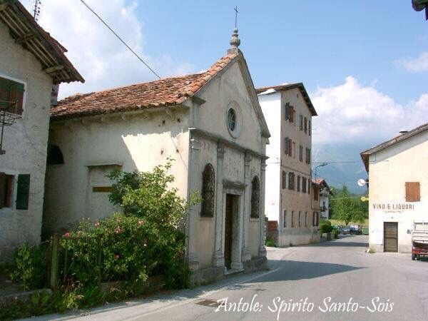 Chiesa di Santo Spirito Sois Belluno Dolomiti Veneto Italia