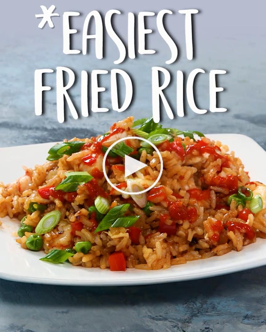 Einfachste Fried Rice -  Verwenden Sie eine Mischung aus, was auch immer Fleisch Sie haben auf der Hand in dieser Kombination gebratener Reis. Würzige Chili-Knoblauch-Sauce fügt einen Kick und einmal geöffnet, hält sie auf unbestimmte Zeit in #dinnerideen #gesundedinner