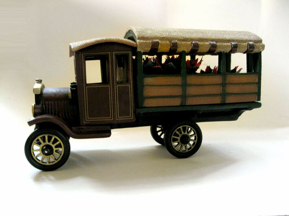 Department 56 Heritage Village Poinsettia Delivery Truck #59000 Mint In Box #Department56 #department56