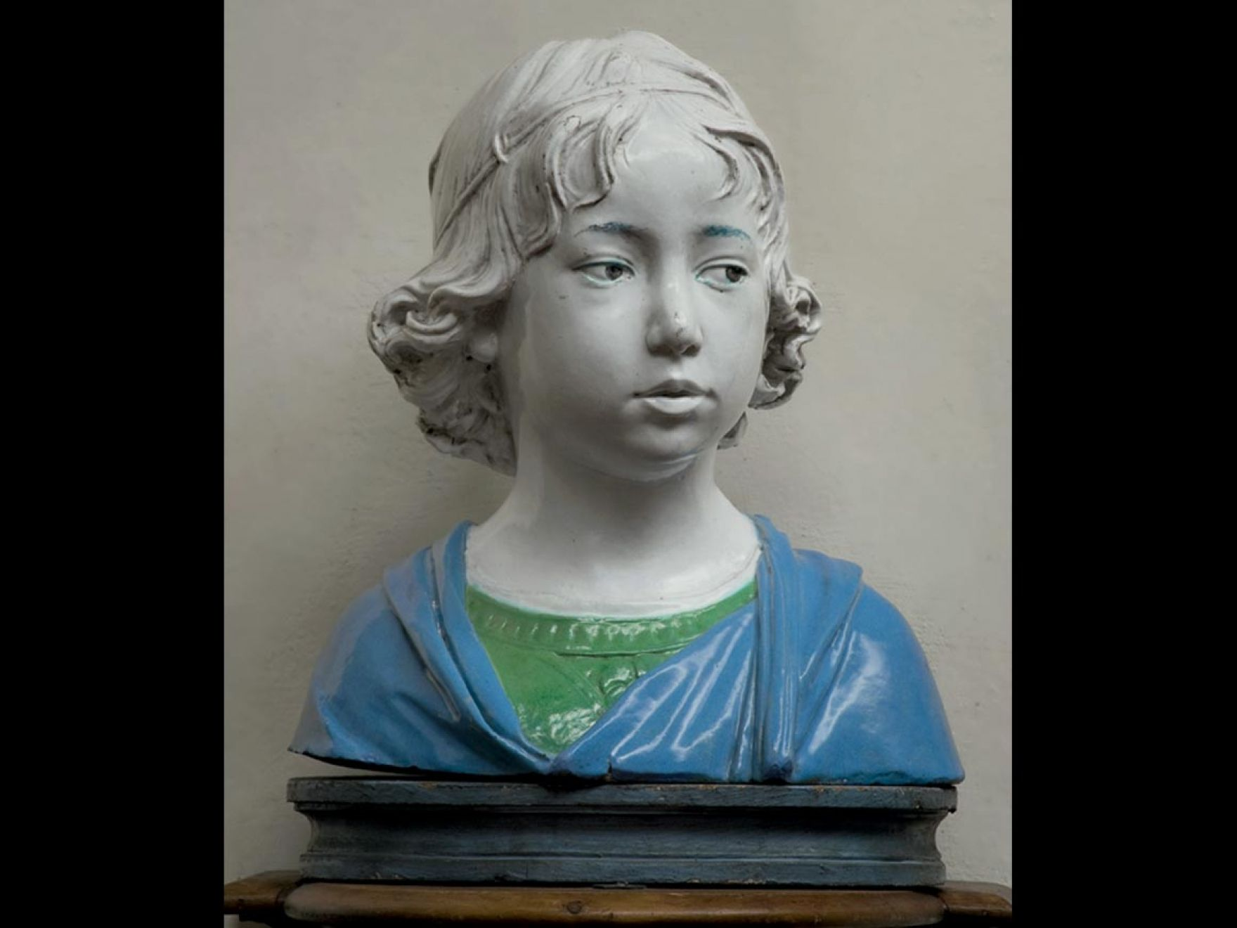 ANDREA DELLA ROBBIA, BUST OF A BOY, ABOUT 1475 Glazed terracotta. Museo Nazionale del Bargello, Florence. Courtesy of the Ministero dei beni e della attività culturali e del turismo. Photograph: Antonio Quattrone.