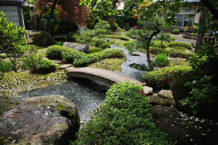 Dashing Japanese Garden To Reach Zen Atmosphere : Natural Japanese Garden  Design Plans False Small River Stone Bridge
