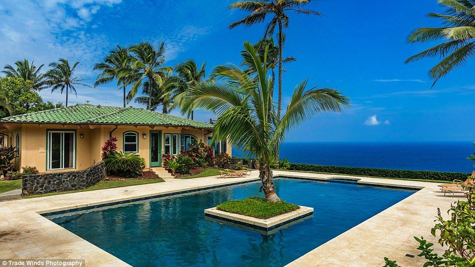 Rock Legend Frontman Sammy Hagar Lists Cali And Hawaii Homes For Sale Hawaii Homes Amazing Swimming Pools Celebrity Houses