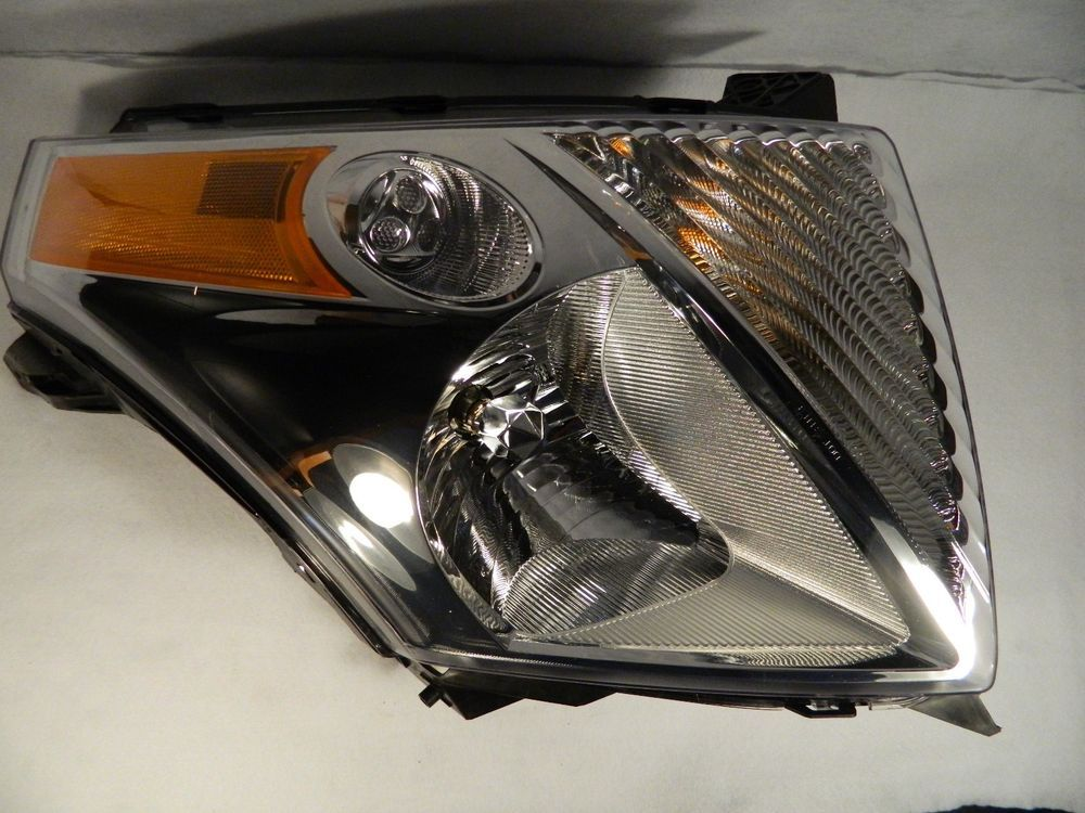 2009 Suzuki Xl 7 Headlight Left Hand Driver Side Great Condition