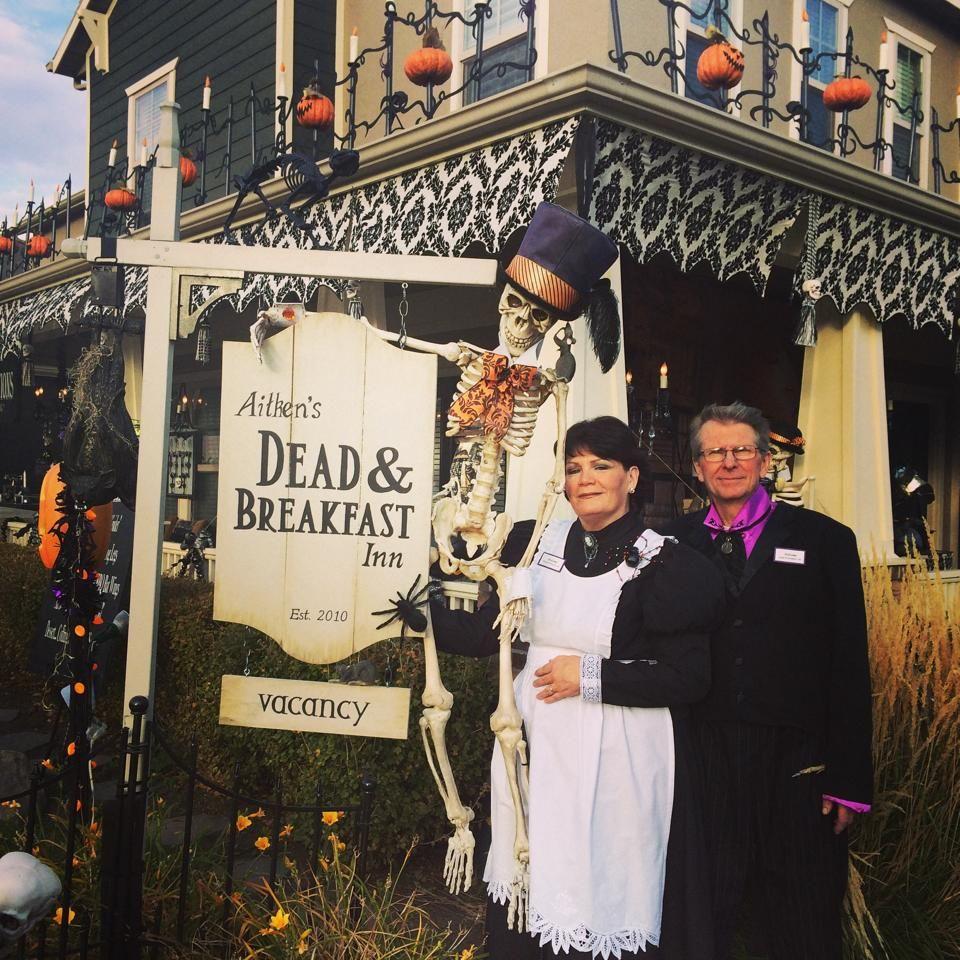 Dead & Breakfast Inn Daybreak Utah, Halloween Decorations