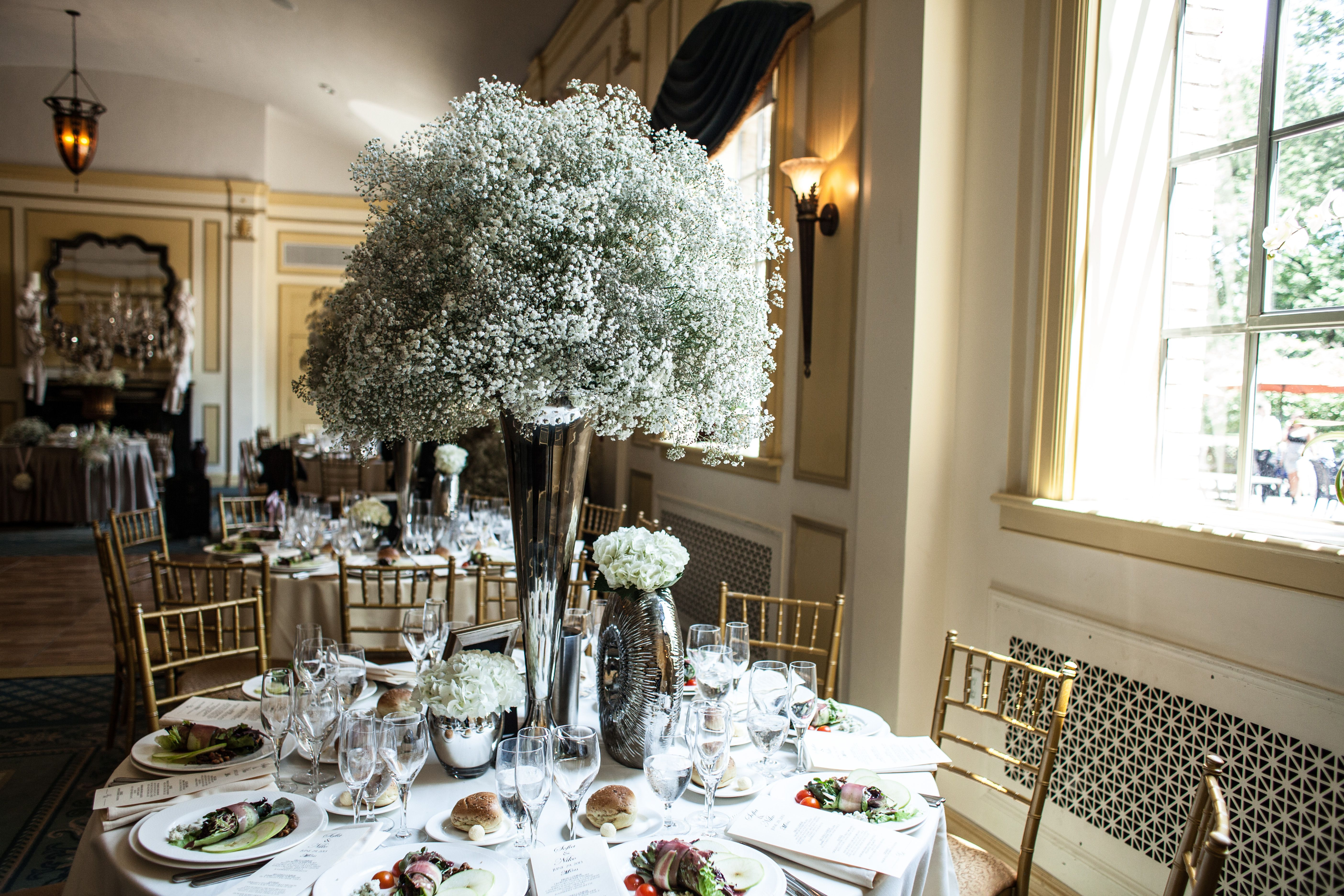 Christmas Came Early This Year At Dyker Beach Golf Course When Ritani Named Them One Of 25 Amazing P Flower Centerpieces Wedding Flower Centerpieces Beach Golf