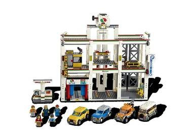 Lego City Garage : It s always busy at the city garage play on lego