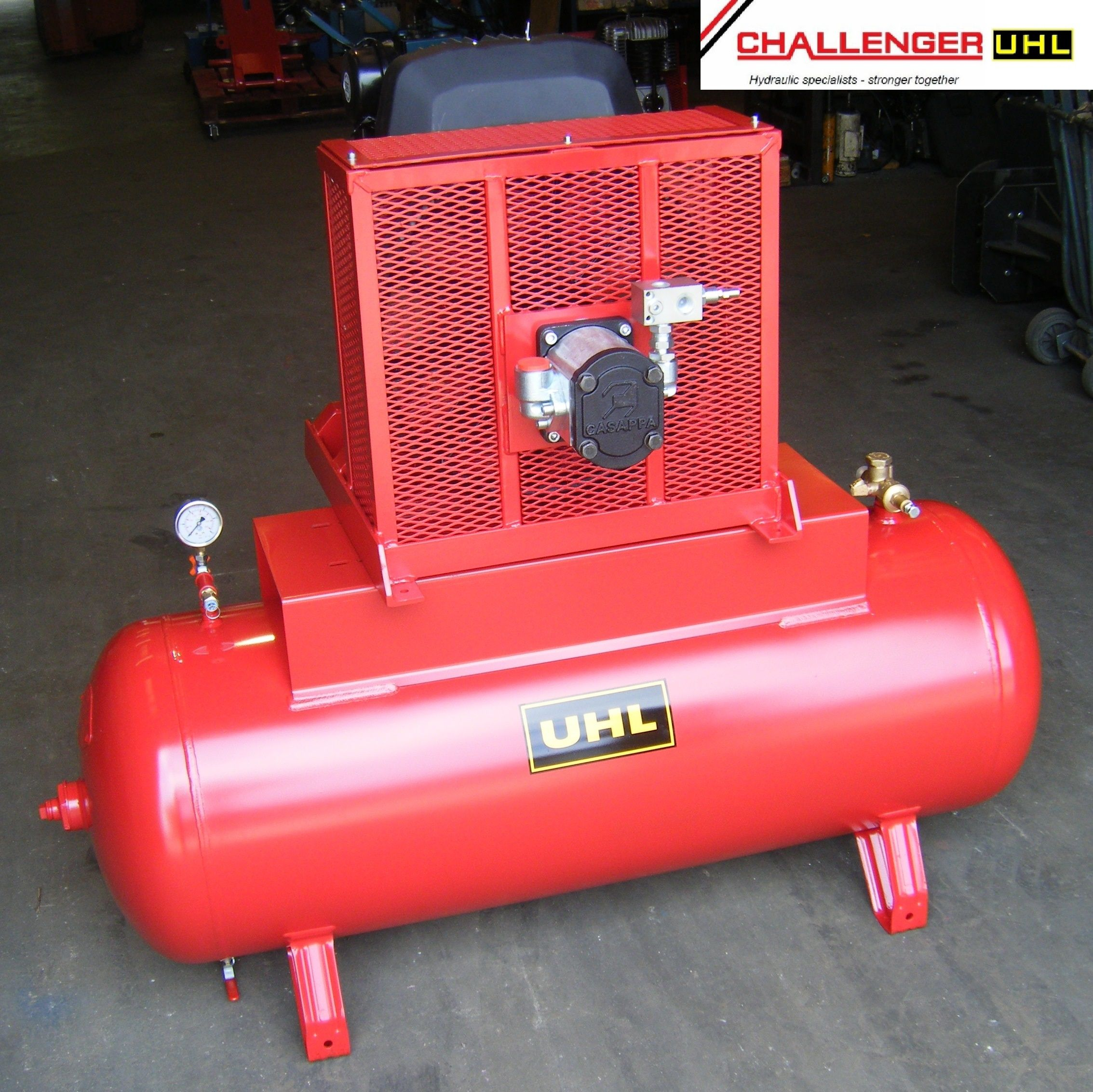 TRC42 Hydraulically Powered Compressor The compressor is