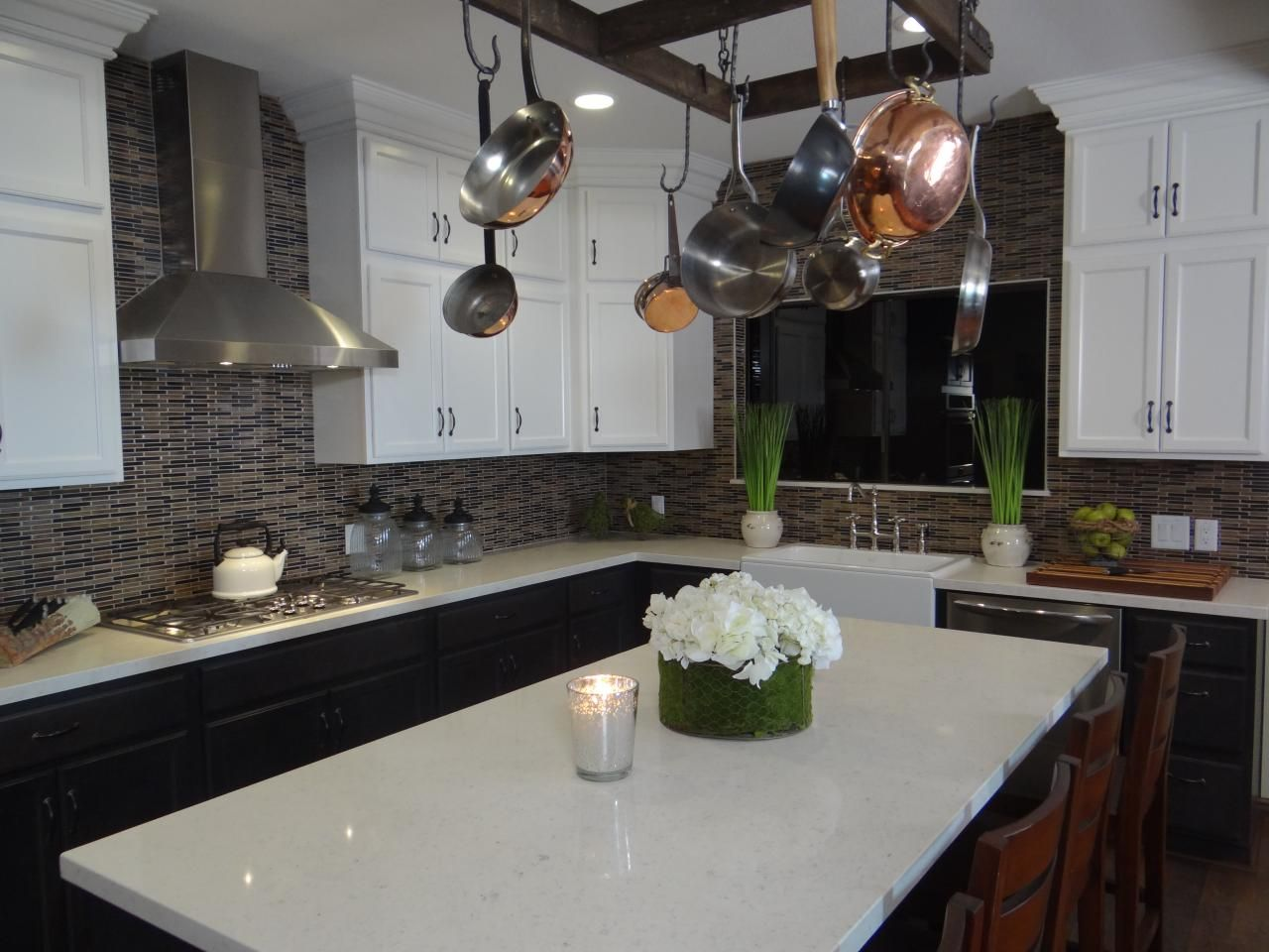 Find The Best Of Kitchen Crashers From Diy Kitchen Crashers Kitchen White Modern Kitchen