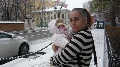 Un bebé español permanece retenido en Rusia desde hace ocho meses