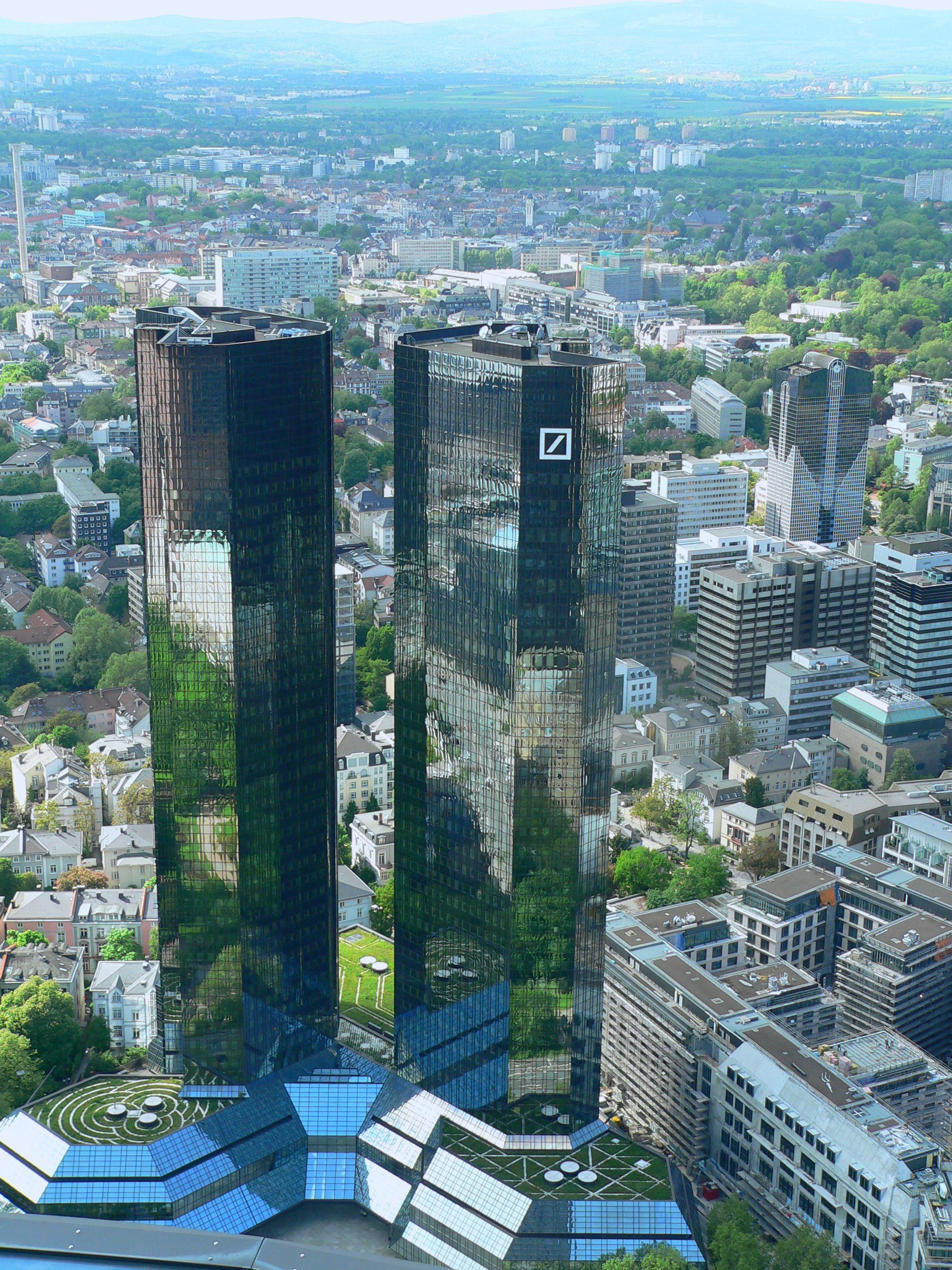 Pin Von Auvo Vetelainen Auf Design Architecture Wolkenkratzer Stadt Frankfurt Monument