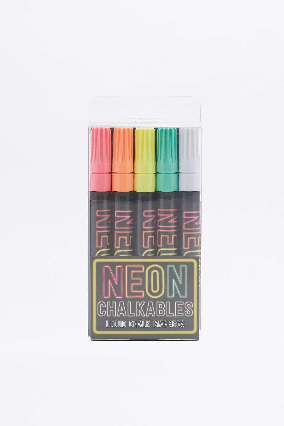 Kreidestifte in Neonfarben