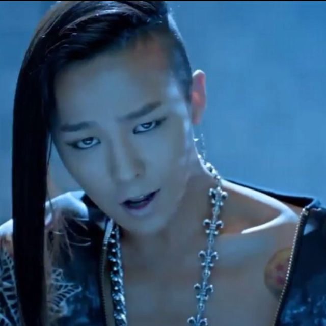 Gdragon Of Bigbang The Hair Kind Of Grows On You After A While Lol ジヨン