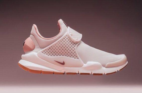 best website c219f cdb07 Siltstone Red Covers This Women s Nike Sock Dart Premium