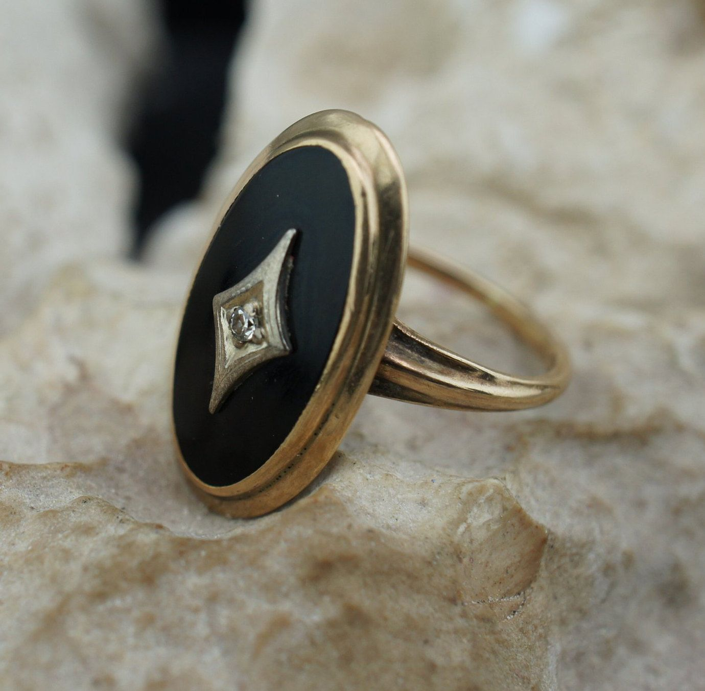 Solid Gold 10k Ring Black Stone Onyx Cz Yellow Oval Vintage Jewelry Collectable Size 5 1 4 Round Band Black Stone Ring Black Rings Black Stone