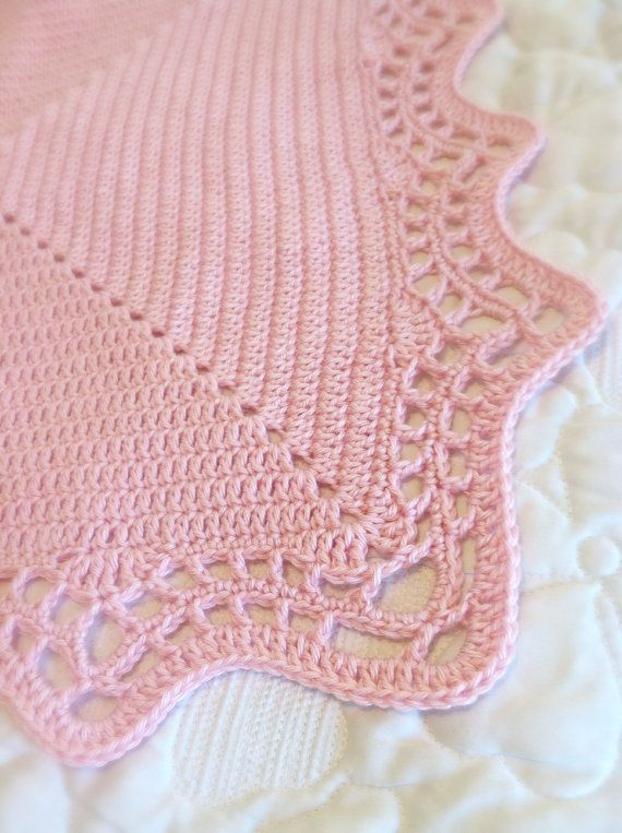 Crochet Blanket Pattern with Scalloped Edge | Colchas para bebe ...