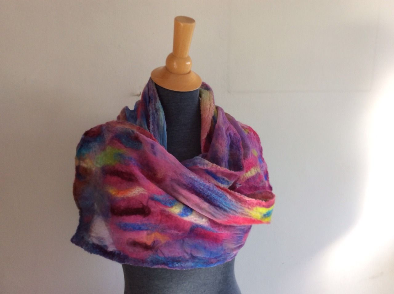ViltVitrine  - 82.  Smalle shawl.  Chiffonzijde merinowol zijde