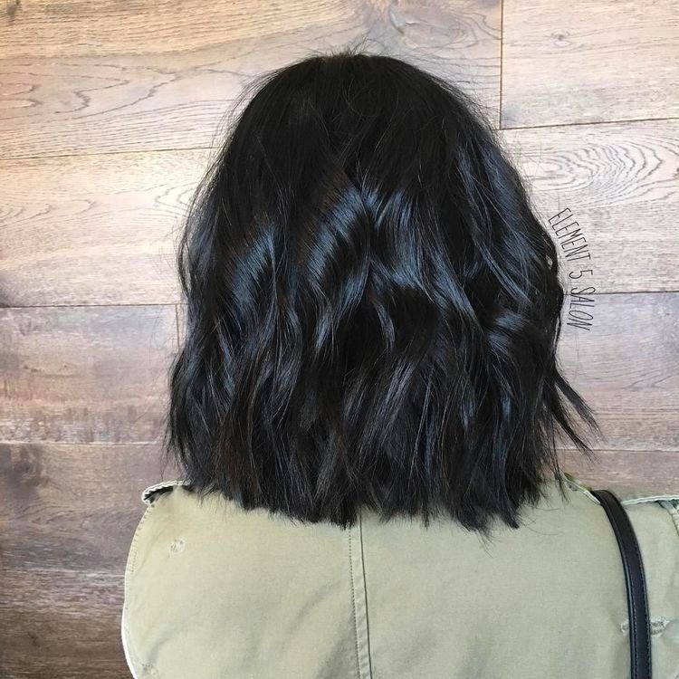 58 Super Hot Long Bob Hairstyle Ideas That Make You Want To Chop Your Hair Right Now Ecemella Hair Styles Black Wavy Hair Hair Color For Black Hair