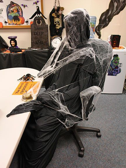 halloween office decoration theme. 20 Halloween Office Theme Ideas | Home Design, Interior Decorating, Bedroom - Getitcut Decoration