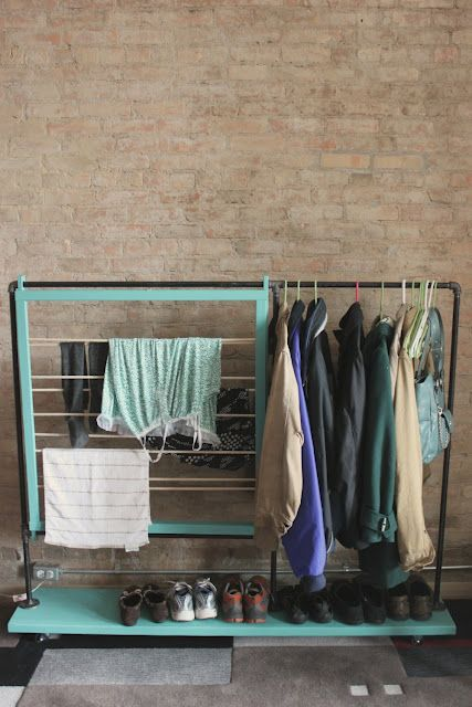 diy clothes rack. would be nice by the washer & dryer.