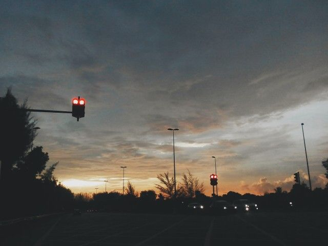 Sundown, Laf.