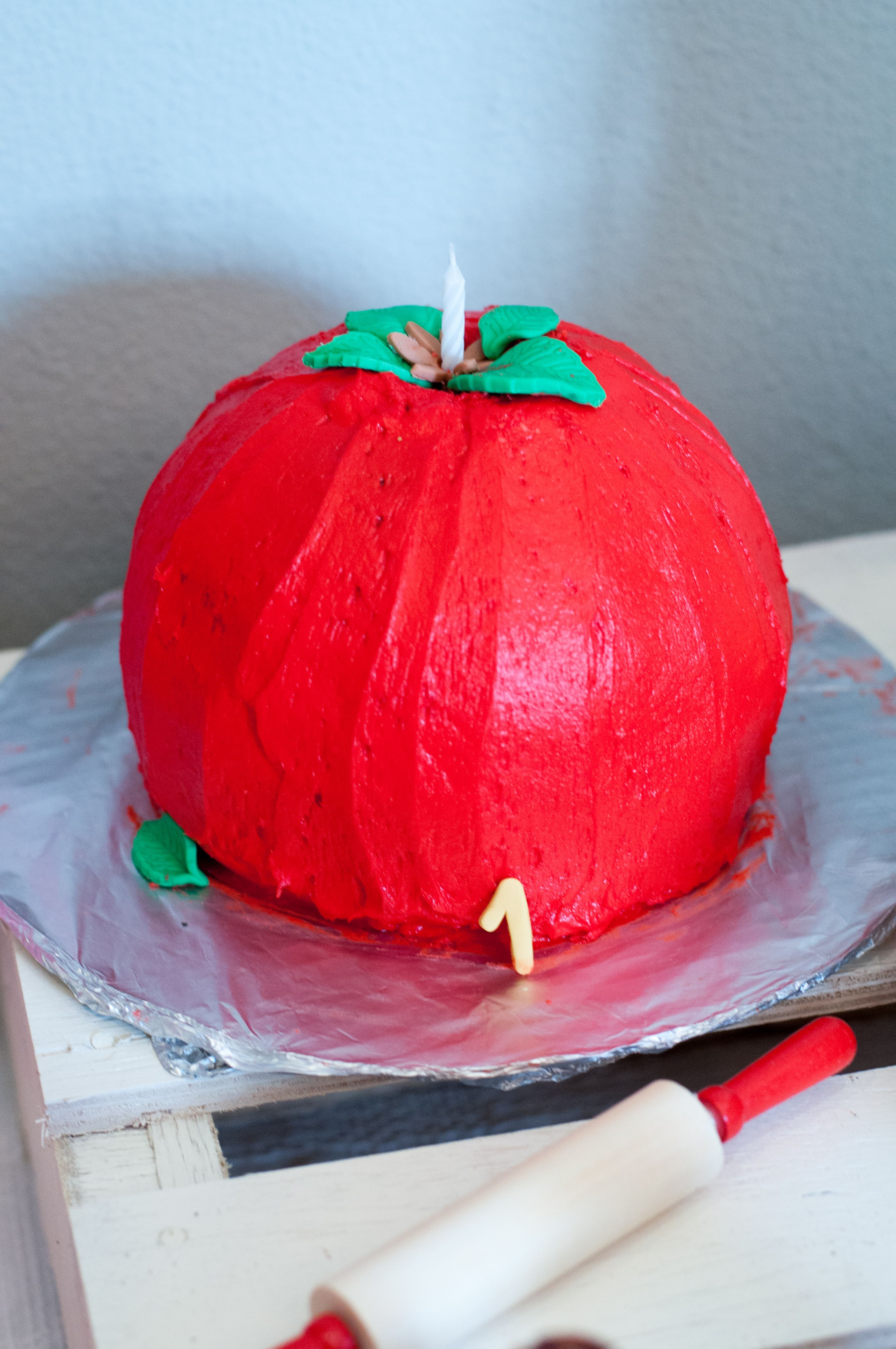 Little Chef Apple Or Tomato Smash Cake Parties Little Chef First