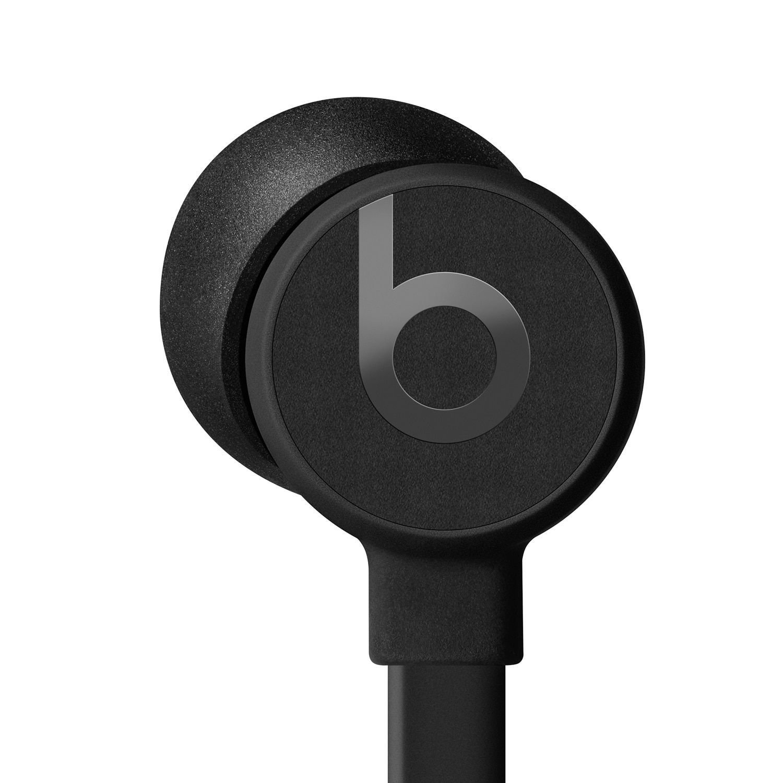 Urbeats3 Earphones With Lightning Connector Earphones Connector Lightning Video Game Stores Earphone Plugs