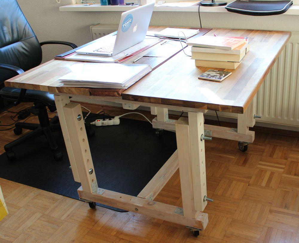 Schreibtisch Mit Kabelführung 2021