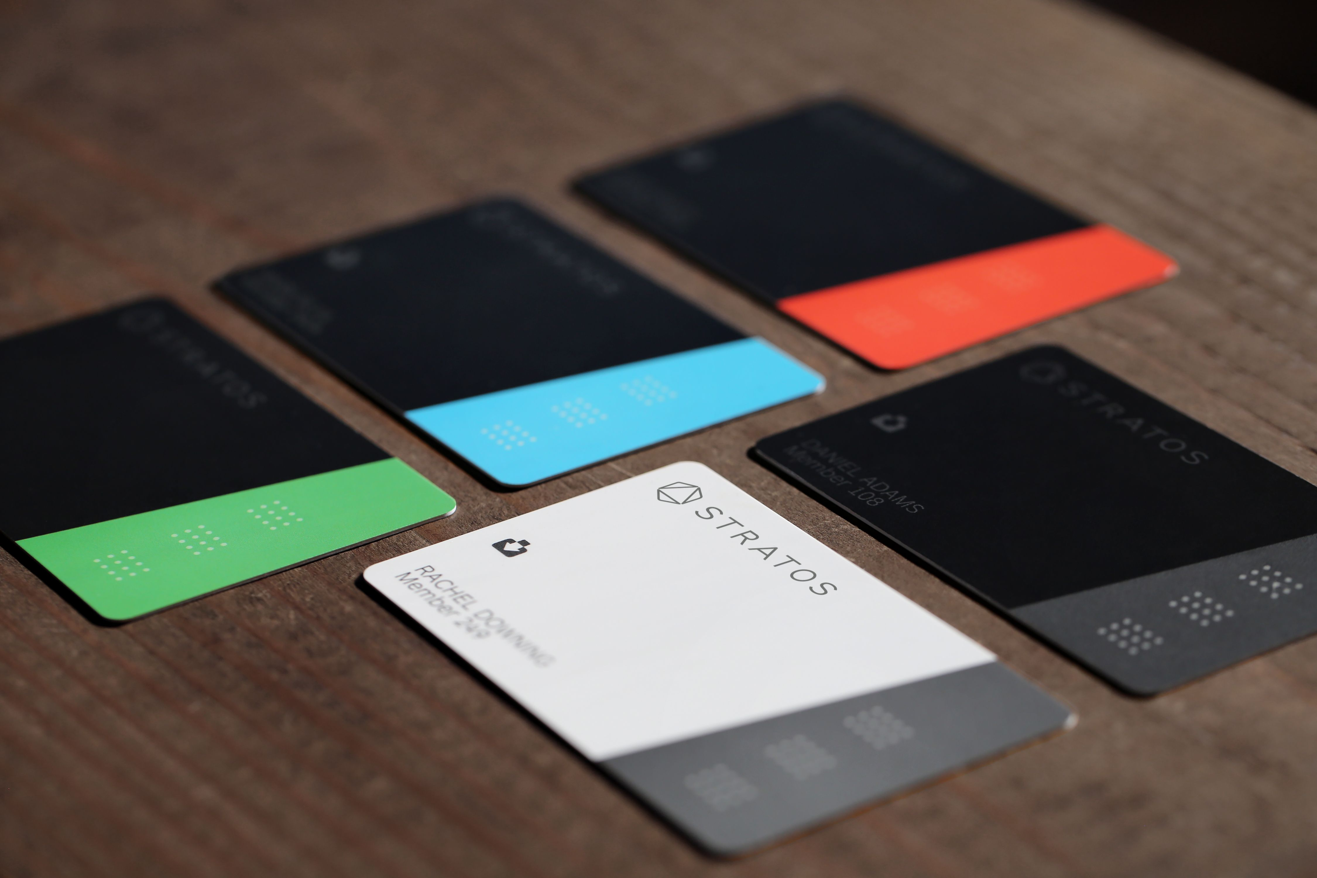 Stratos\' Bluetooth connected payment card works everywhere ...