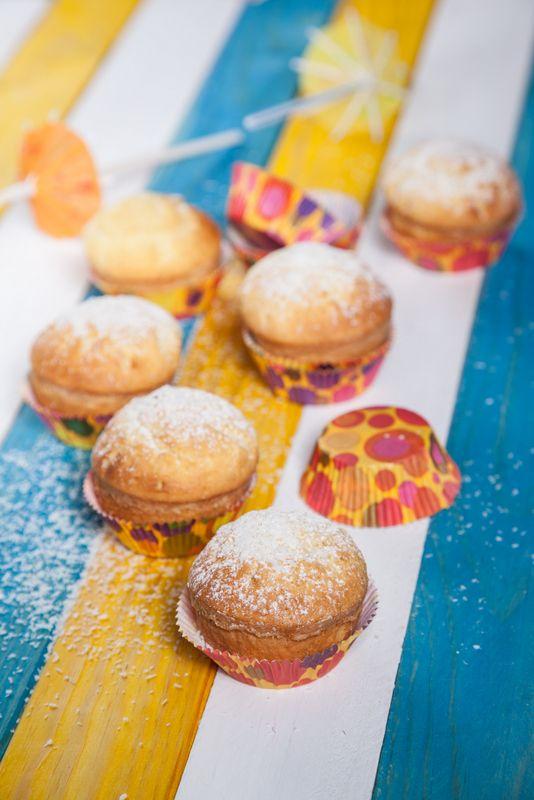 Queques de coco Robot de Cozinha nº 90 Julho Disponivel online www.magzter.com Visite-nos em www.teleculinaria.pt
