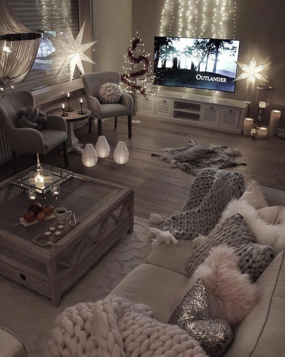 The Fur Rug Would Have To Go Even If It S Fake But The Rest Of The Room Is So Gorgeous And Coz Cozy Living Rooms Living Room Designs Living Room Inspiration