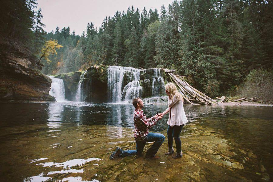 Adorable-Washington-Proposal-at-Lower-Lewis-Rier-Falls-JMHunter-Photography (26 of 41)
