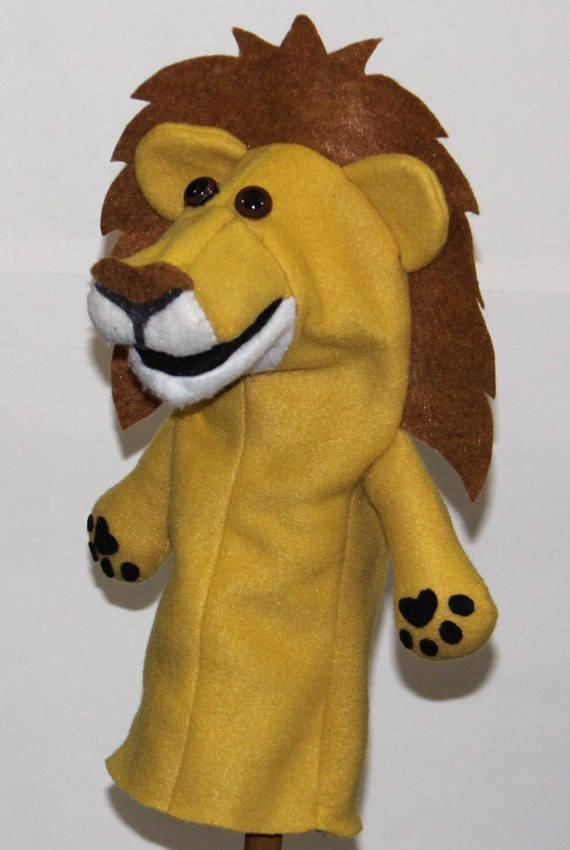 Lion Hand Puppet Pattern with Movable Mouth #handpuppets