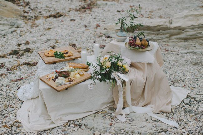 minimal bohemian beach elopement inspiration pic nic pinterest pique niques r ceptions. Black Bedroom Furniture Sets. Home Design Ideas