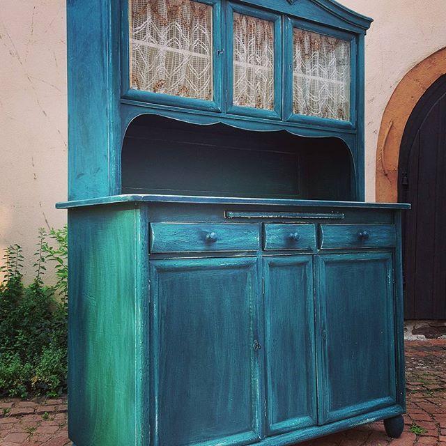 wwwantik-zellingende präsentiert Ihnen ein unheimlich schönes - küchenbuffet weiß antik