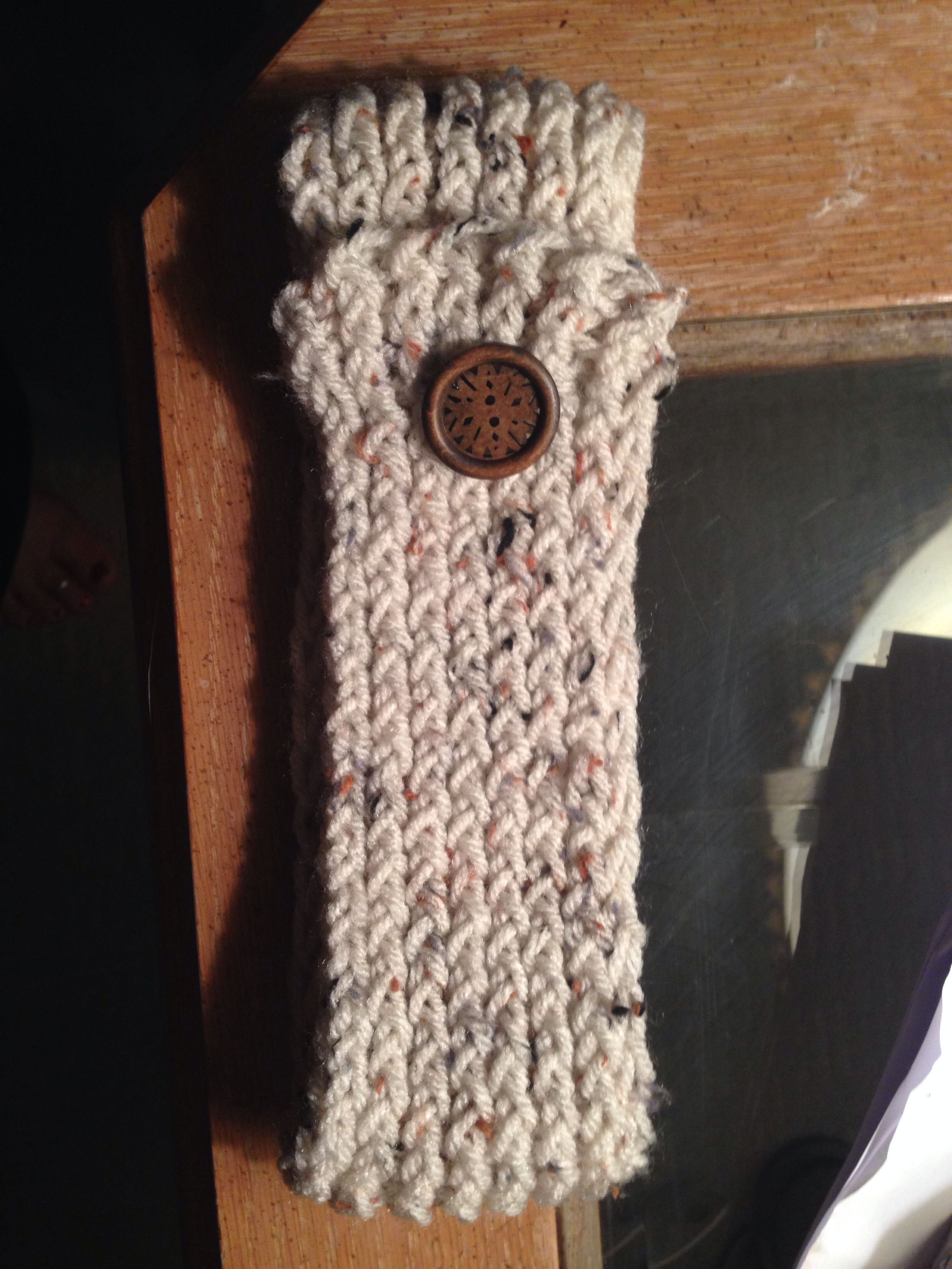So easy to make with a small knitting loom and a button - Headband ...
