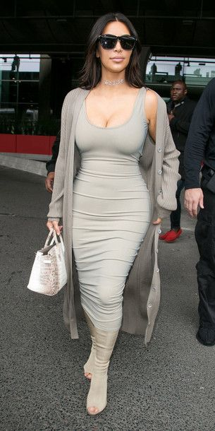 33ef7ab5501 Wheretoget - Kim Kardashian wearing a grey bodycon midi dress