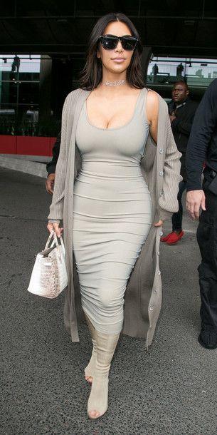 Wheretoget Kim Kardashian Wearing A Grey Bodycon Midi