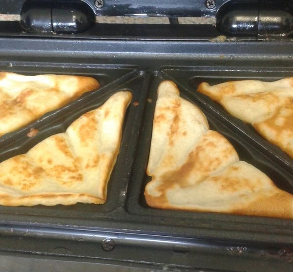 Pancakes in the sandwich toaster ive died and gone to heaven fun food forumfinder Images