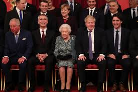 Queen Elizabeth Ii Has No Plans To Retire At Age Of 95 Despite Recent Rumors In 2021 Queen Elizabeth Ii Queen Elizabeth Elizabeth Ii