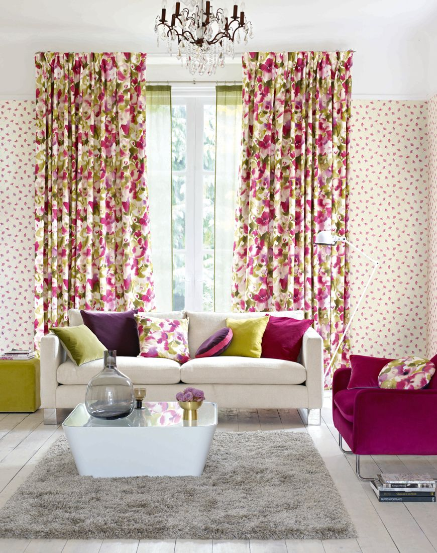 The Attractive Floral Curtains Are Accessorised With Matching Cushions Livingrooms Interiordesign