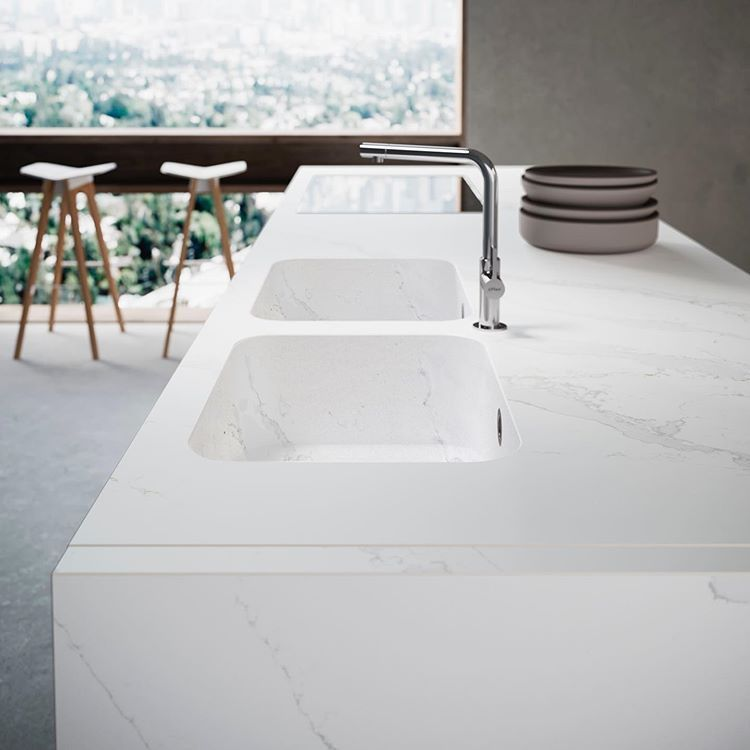 Silestone By Cosentino Sur Instagram Washing The Dishes Is A Pleasure In A Silestone Eternal Calacatta Gold Integrity S Calacatta Gold Silestone Calacatta