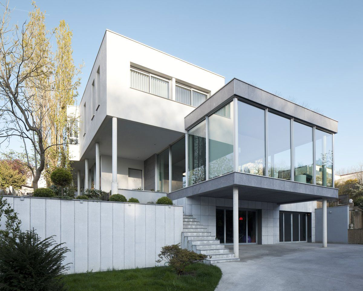 Clamart glass house is a private residence it is located in paris france