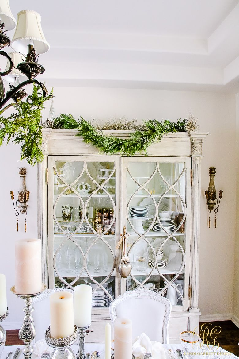 Elegant White and Gold Christmas Dining Room and Table Scape   Room ...